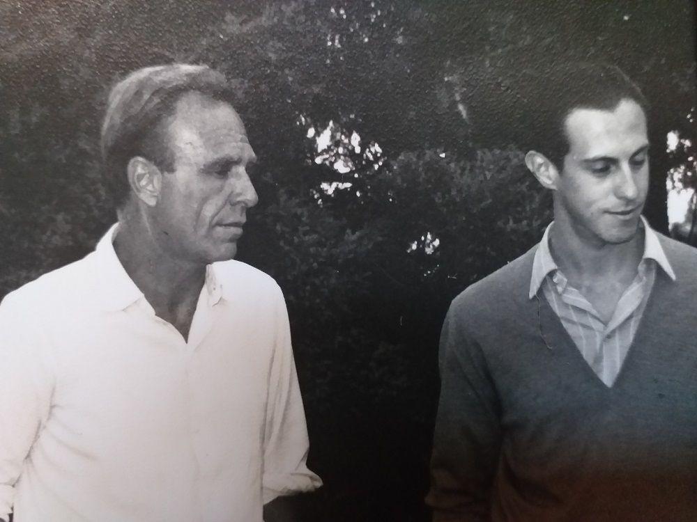 Rafael Felipe Oteriño con Adolfo Bioy Casares en Mar del Plata en 1967