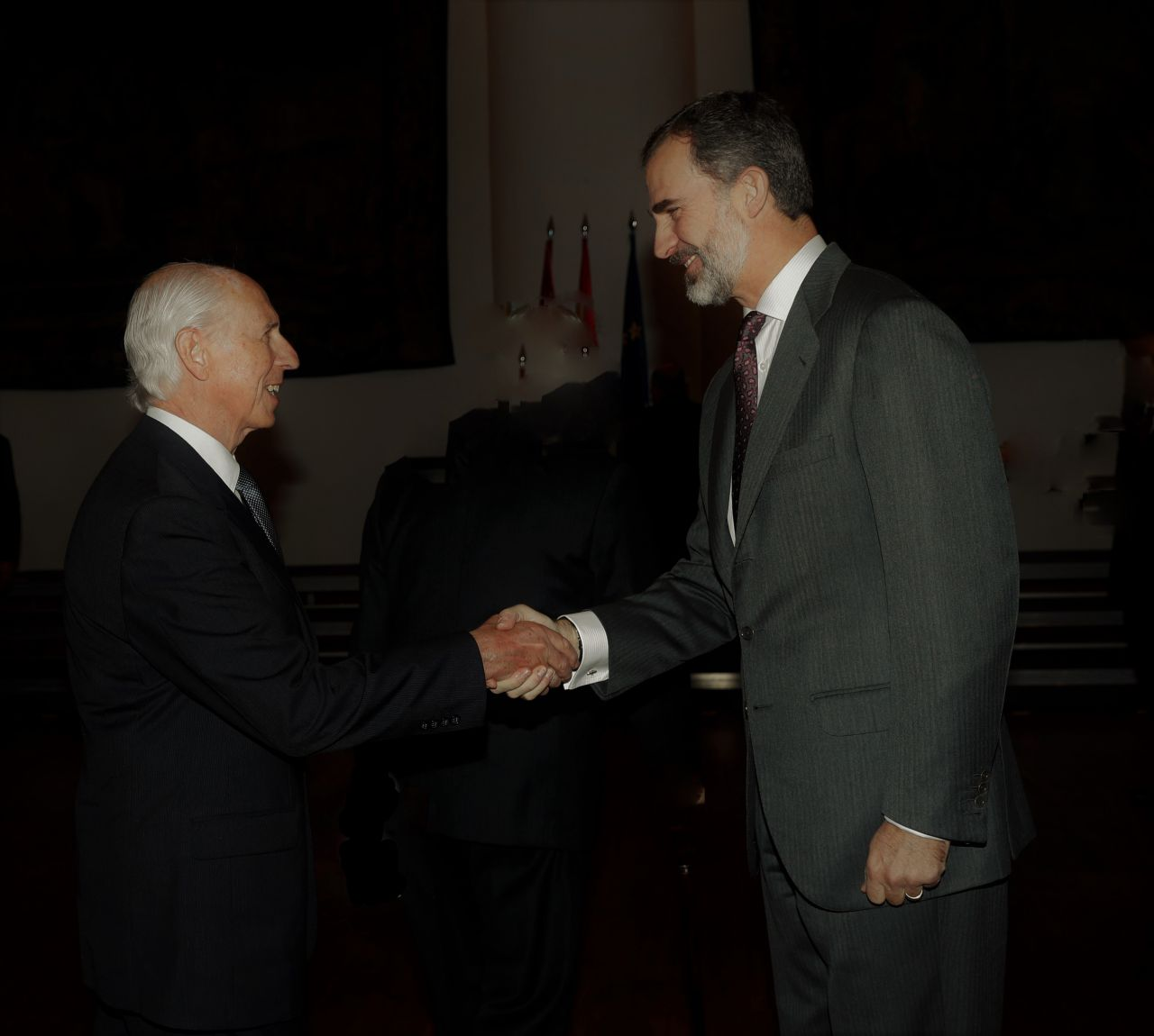 Rafael Felipe Oteriño con el rey Felipe VI en la Universidad de Salamanca