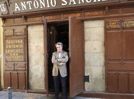 """Andrés Trapiello: """"En el Rastro buscamos algo que se nos ha perdido"""""""