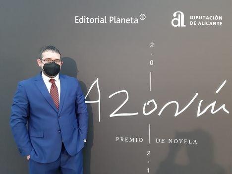 El escritor valenciano José Antonio Olmedo finalista del Premio Azorín de Novela