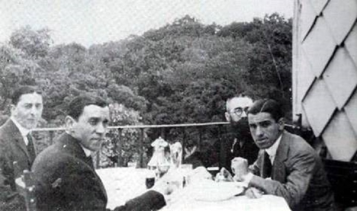 Pérez de Ayala, Valle-Inclán y Juan Belmont comiendo