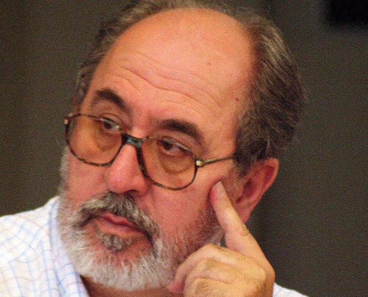 """Ricardo Martínez-Conde: """"En el aforismo el lector pasa a ser el protagonista, el que piensa"""""""