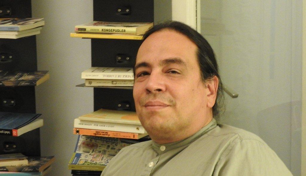 "Méndez Guédez: ""Escribo sobre las cosas que me atormentan"""