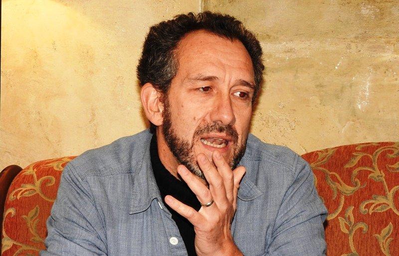 El escritor gijonés Ricardo Menéndez Salmón se pasa al thriller con \