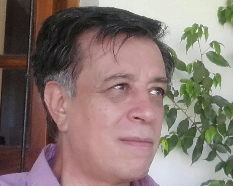 "Antonio Ramón Gutiérrez: ""El escritor atraviesa la frontera subjetiva"""