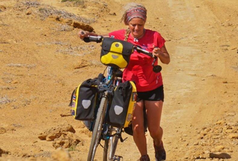 Cristina Spínola: 3 años, 28.000 km y 27 países  en su vuelta al mundo en bicicleta