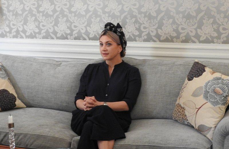 La reina de la novela negra sueca Camilla Läckberg regresa montada en una escoba con \'La bruja\'