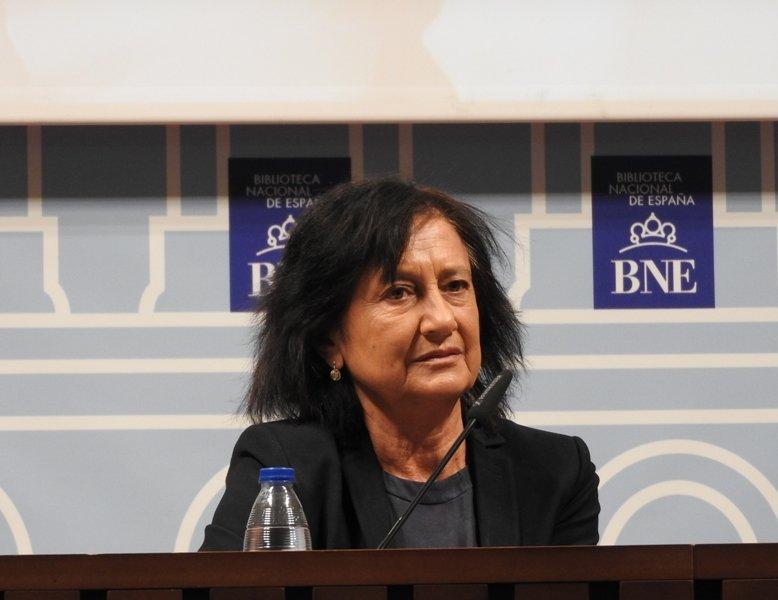 """Elisa Delibes: """"Mi padre era un escritor muy exigente y lo que no le gustaba, lo destruía"""""""