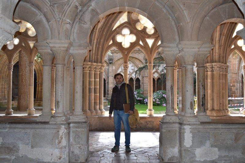 """Luis Zueco: """"En la Edad Media había muchas ambiciones terrenales en la Iglesia, antes que monjes eran hombres"""""""