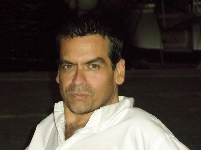 El escritor Juan Ramón Biedma apuesta por Grupo Tierra Trivium