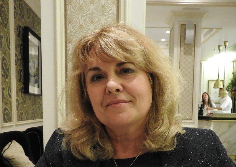 "Carine Fernández: ""Mi verdadera patria es la biblioteca"""