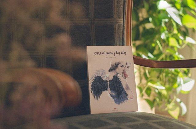 Ignasi Muñoz presenta su novela \'Entre el pecho y las alas\'