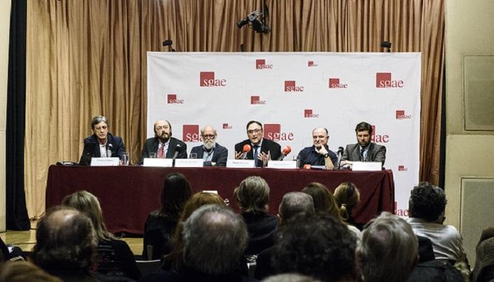 Mesa de la presentación del libro 'Fernando Arbex. Un mundo diferente'