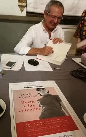 Juan Vilches en la presentación del libro