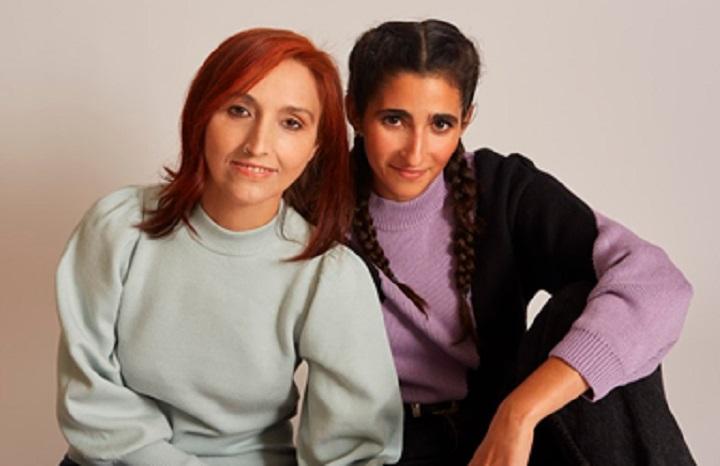 Helena Maleno y Alba Flores posan juntas por su colaboración en 'Mujer de Frontera'