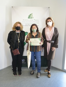 La filóloga Pilar Iglesias Aparicio gana el Premio Kate O'Brien del Aula María Zambrano de Estudios Transatlánticos de la Universidad de Málaga