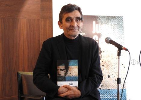 """Adolfo Domínguez: """"La literatura explora todos los límites de la vida"""""""