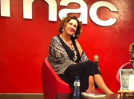 """Alejandra Suárez Barcala: """"Fue el amor entre ellos lo que empujó a mi padre a unirse a la CIA"""""""