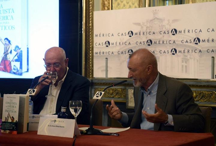 Juan Eslava Galán y Arturo Pérez Reverte