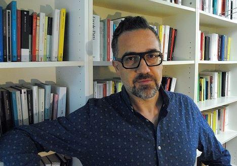 """Entrevista a Andrea Pomella: """"Considero la novela como una armadura en la que escudarme"""""""
