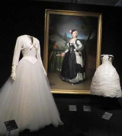 Entre vestidos de cóctel y de novia, cuadro de la Marquesa del Llano, doña Isabel de Parreño y Arce, hacía 1775, de Antón Rafael Mengs