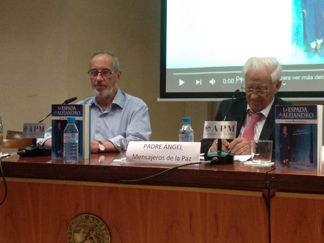 Jaime Barrientos y el Padre Ángel