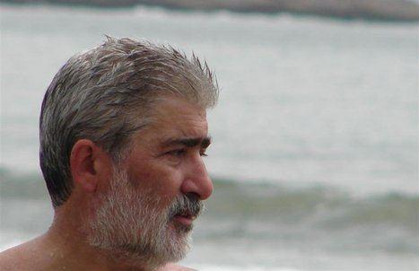 Carlos Aprea