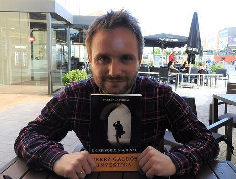 """Entrevista a Carlos Mayoral: """"Mi novela refleja las inquietudes de una sociedad que vive en un constante ejercicio de injusticia"""""""