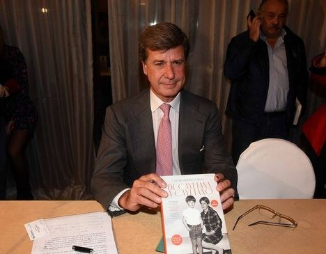 Cayetano Martínez de Irujo presenta su libro entre lágrimas y ausencias