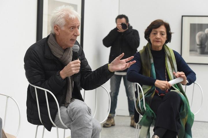 Chema Madoz y Olivia María Rubio, comisaria de la exposición