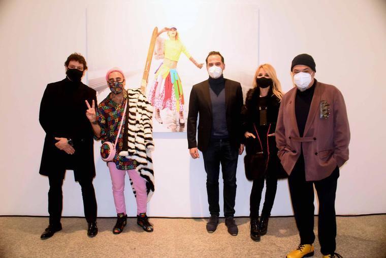 Omar Ayyashi en la inauguración de la exposición
