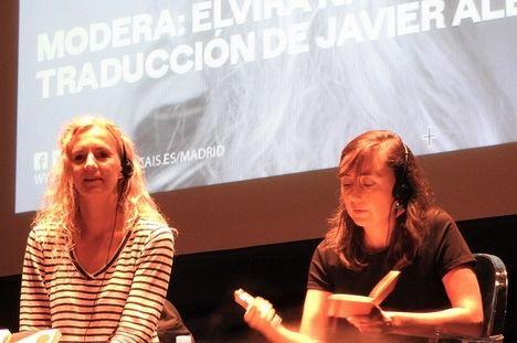 """Delphine de Vigan: """"Los novelistas somos unos vampiros"""""""
