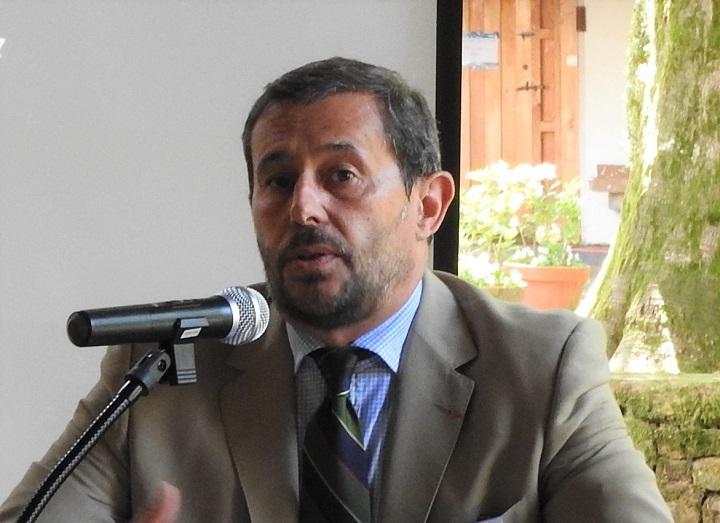 Dr. D. Alfonso de Ceballos-Escalera y Gila Vizconde de Ayala y Marqués de la Floresta.