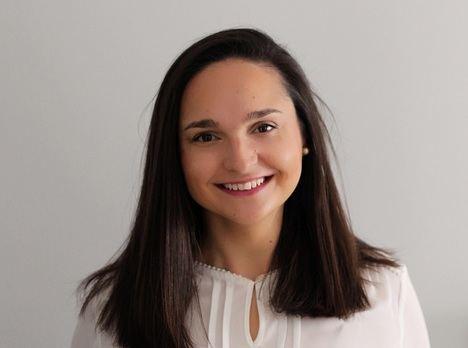 La escritora Elena Castillo gana el certamen literario Titania con