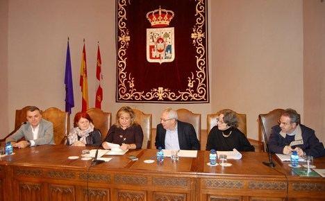 El argentino Hugo Francisco Rivella se alza con el prestigioso premio Leonor de Poesía y la asturiana Isabel María Reyes con el Premio Gerardo Diego para autores noveles
