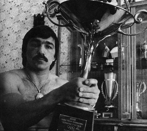 """Se presenta en Barcelona """"Mear sangre"""", la autobiografía del mítico boxeador Dum Dum Pacheco"""