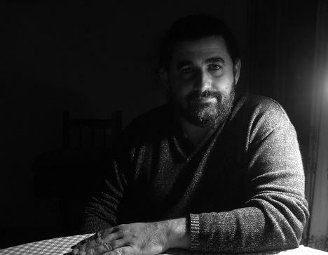 Los nuevos poemas de Manuel García: historia de los libros que ardieron