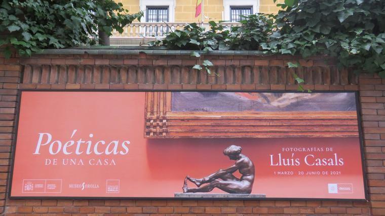 Cartel de la exposición a la entrada del Museo Sorolla, en el Paseo del General Martínez Campos, 37