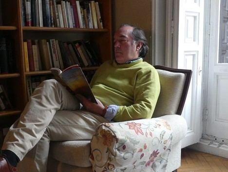 """Entrevista a Tomás García Yebra: """"Delibes hace una crítica brutal de sí mismo en todos sus libros"""""""