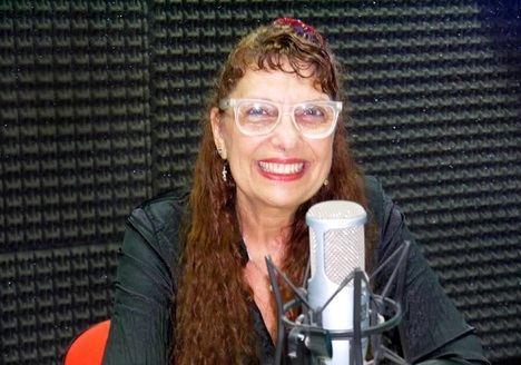 """Entrevista a Gloria Arcuschin: """"El silencio de la oscuridad nos aturde"""""""