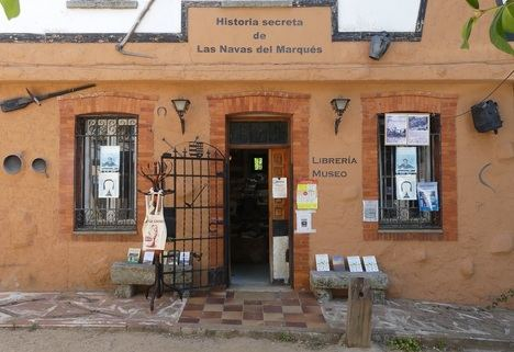 """""""Historia secreta de Las Navas del Marqués"""", la librería-museo con nombre de libro"""