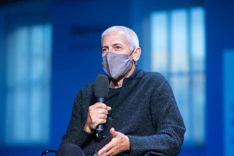"""Entrevista a José Ovejero: """"La naturaleza es ciega, pero nos inspira emociones"""""""