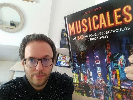 Un paseo por Broadway en 50 espectáculos recogidos por Luis Poyo en un libro