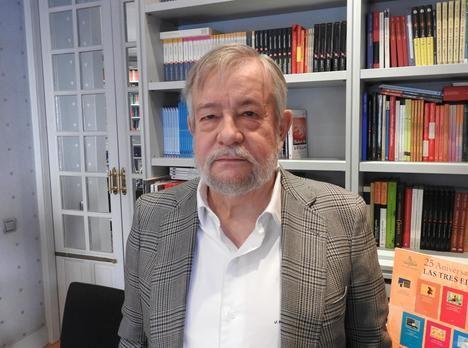"""José María Guelbenzu: """"He hecho una crítica cruel al mundo editorial, donde me he resarcido"""""""