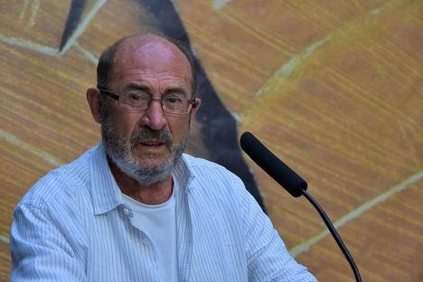 Entrevista al escritor Juan Madrid, invitado estrella de la Semana Negra de Gijón