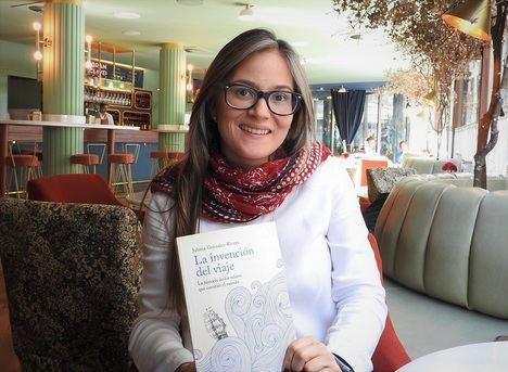 """Entrevista a Juliana González-Rivera: """"El viajero intenta ver con sus propios ojos el espíritu de los lugares"""""""