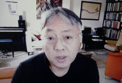"""Kazuo Ishiguro: """"Los adultos solemos sobreproteger a los niños"""""""