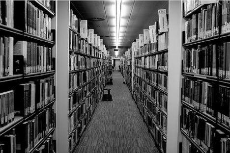 La literatura estrecha su relación con Internet