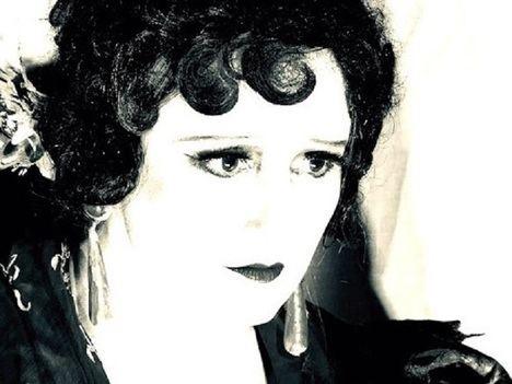 Los ojos de Raquel Meyer