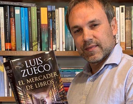 """Luis Zueco: """"Son los libros impresos los que cambian el mundo, con un libro en la mano los hombres y mujeres se hicieron modernos"""""""